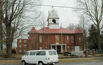 Historic Courthouse - Wartburg, TN